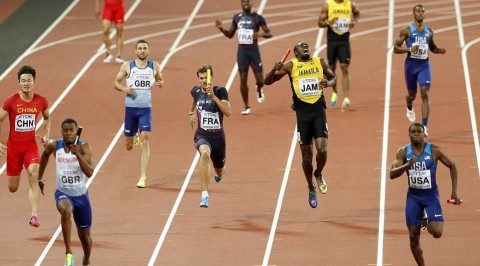 Usain Bolt pulls up injured in the last major race
