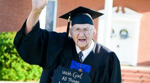 Meet the 88years old college graduate