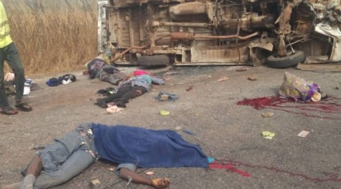 Truck crushes passengers along Ogbomosho-Ilorin highway