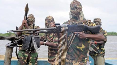 Militants threaten to bomb oil pipelines