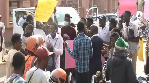 Students Demand End to FG/ASUU Impasse