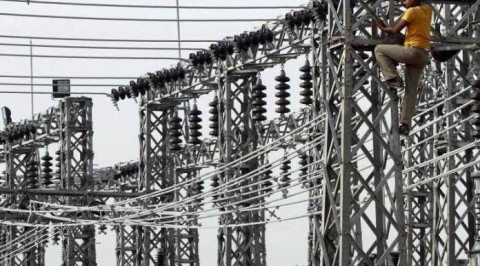 Warri residents react to improved power supply