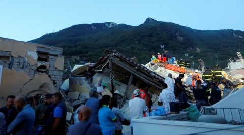 Earthquake hits Italy, 2 dead