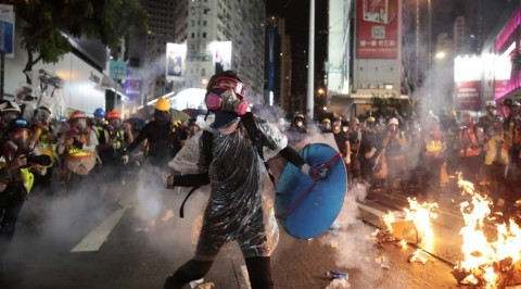 Hong Kong protest march descends into violence