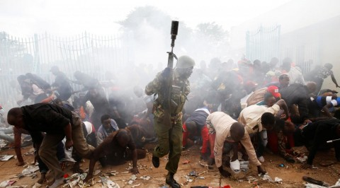 Kenya police fire teargas at crowd awaiting Uhuru's inauguration