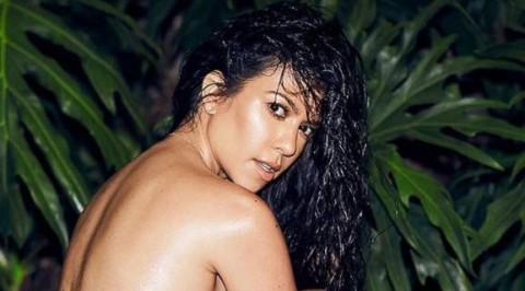 Kourtney Kardashian pose nude on IG