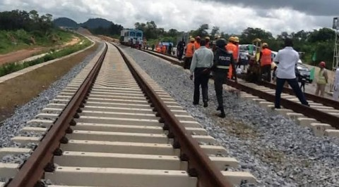 FG raises alert as vandals steal clips on Lagos-Ibadan rail line