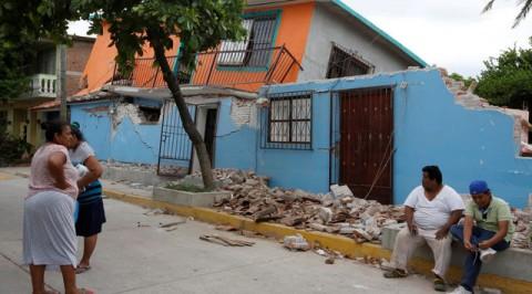Mexican quake wrecks thousands of homes