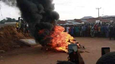 Angry Mob Sets Suspected Armed Robber Ablaze in Ibadan