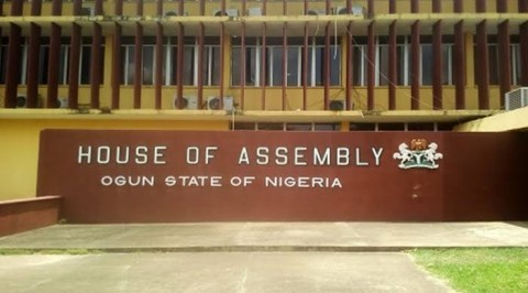 3 Ogun Lawmakers Defect to APC
