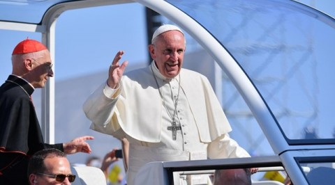 Pope francis arrives collombia