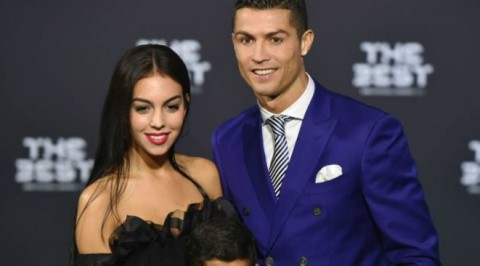 Ronaldo shares rare photo with girlfriend