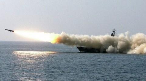 Russian submarine fires missiles at jihadi targets