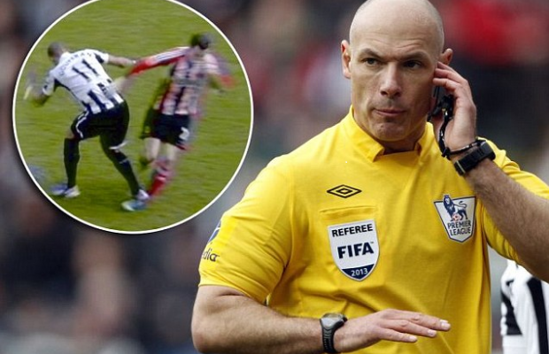 Howard Webb Demoted To League One