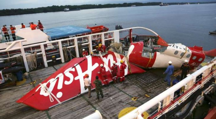 Divers Find Black Box Of Crashed AirAsia Jet: Indonesia Ministry