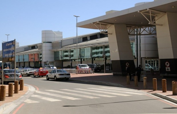 2 injured in shooting at South Africa's airport