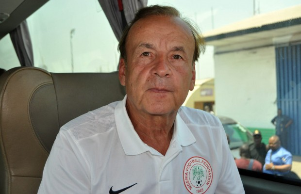 Rohr officially signs new deal