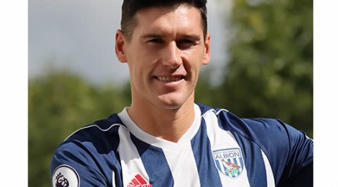 West Brom's midfielder breaks Premier League appearances record