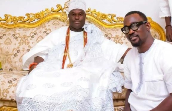 Pasuma celebrates mother's birthday