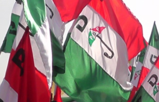 Amosun, 3000 others decamp to PDP in Ogun state