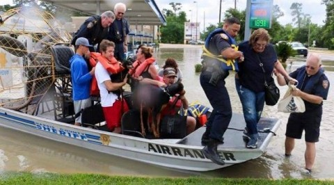 Thousands rescued from Harvey storm