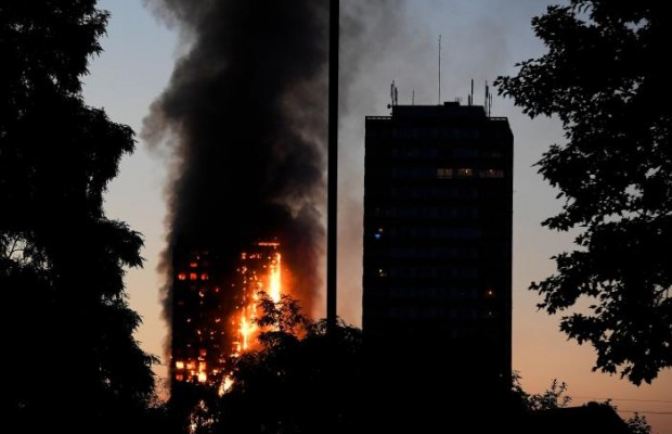 Fire engulfs 24-floor tower block in London
