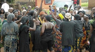 Bayelsa women tackle cultists