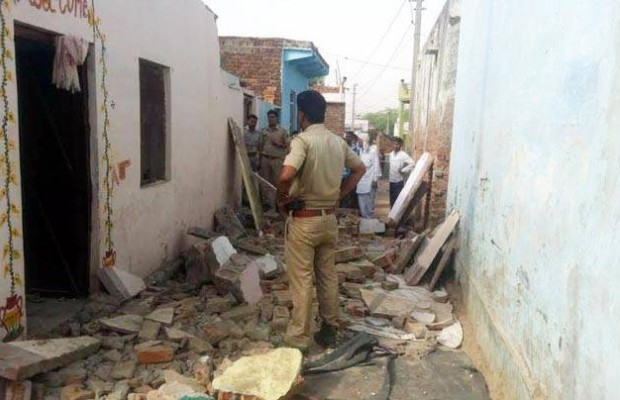 Collapsed wall kills 23 at wedding in India