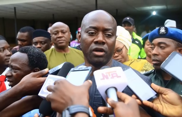 Makinde vows to turn around fortunes of State hospitals.