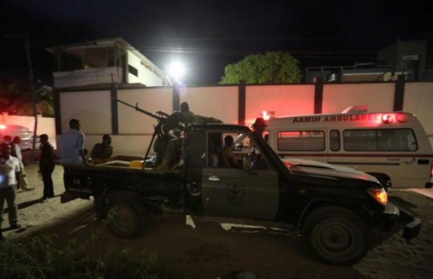 Suicide attack kills 19 in Somali hotel