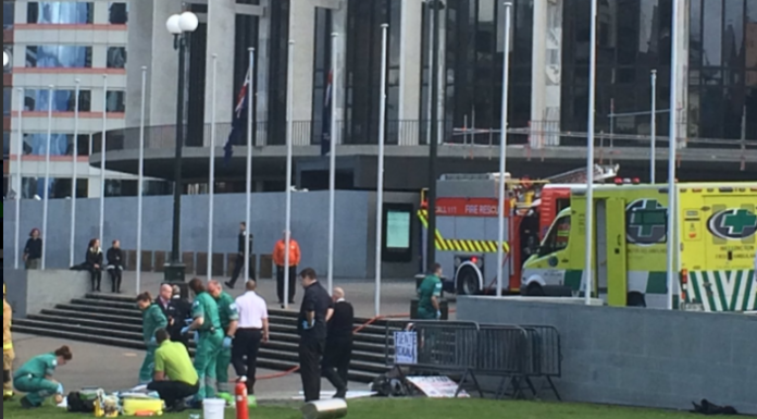 Man sets himself ablaze outside New Zealand parliament