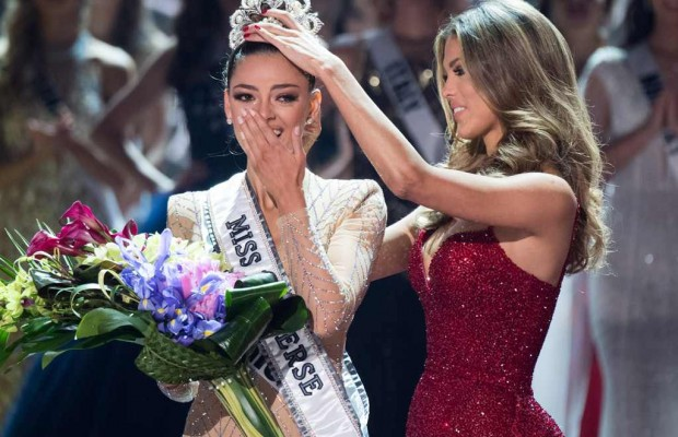 Miss South Africa Wins Miss Universe Crown