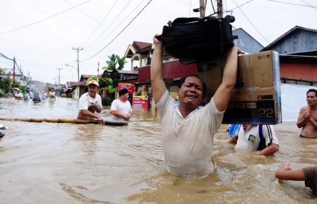 Flood kills 2, displaces 10,000 across Myanmar