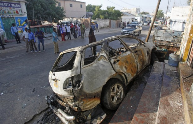Car bomb kills 10 in Somali capital