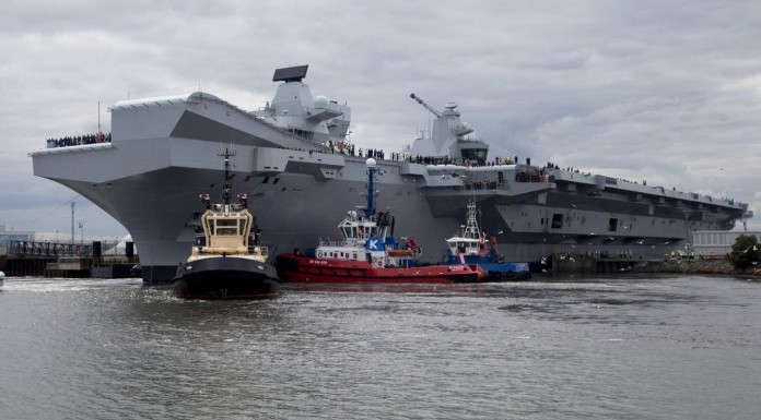 Queen Elizabeth arrives Portsmouth in largest warship